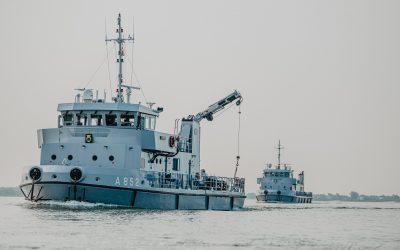 Marine zoekt naar vliegtuigwrakken in IJsselmeer